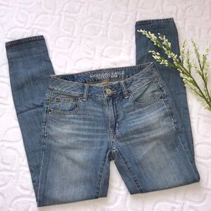 AMERICAN EAGLE Boy Fit Jeans Size 00